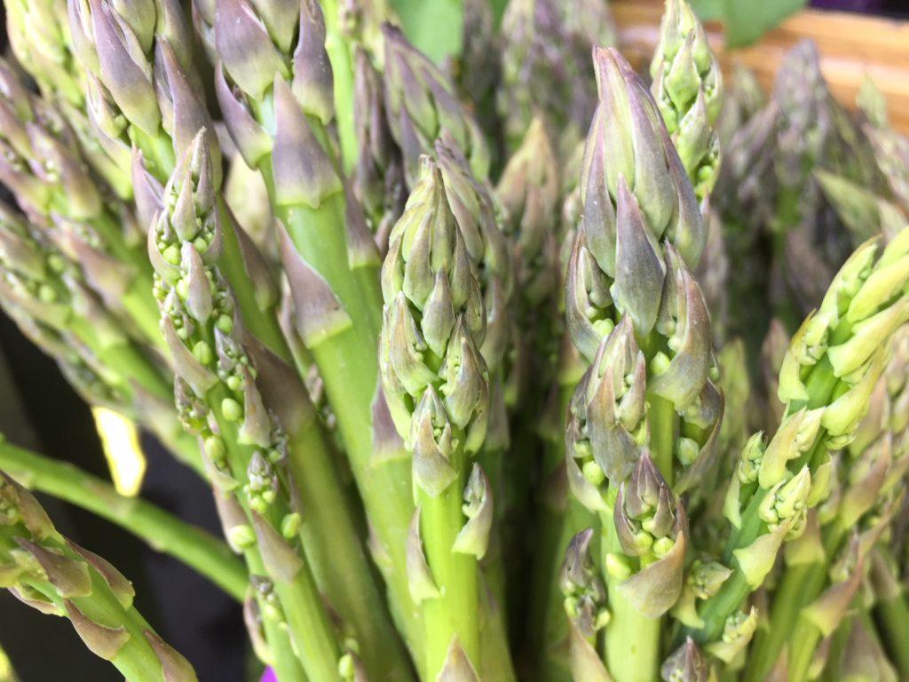 Asparagus with Dip