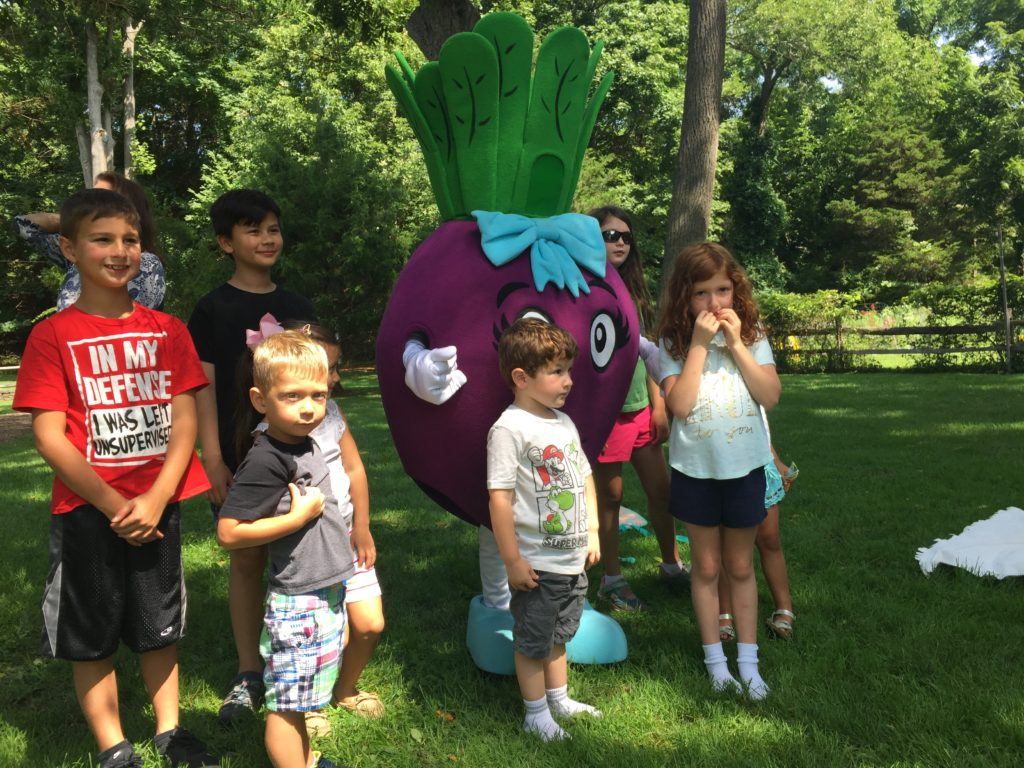 Beet with Kids at Frank Melville Park August 2018